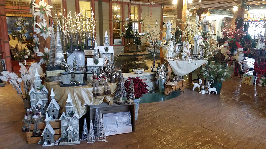 The Holiday Decoration Pros at The Landscape Connection in Rockford, Illinois